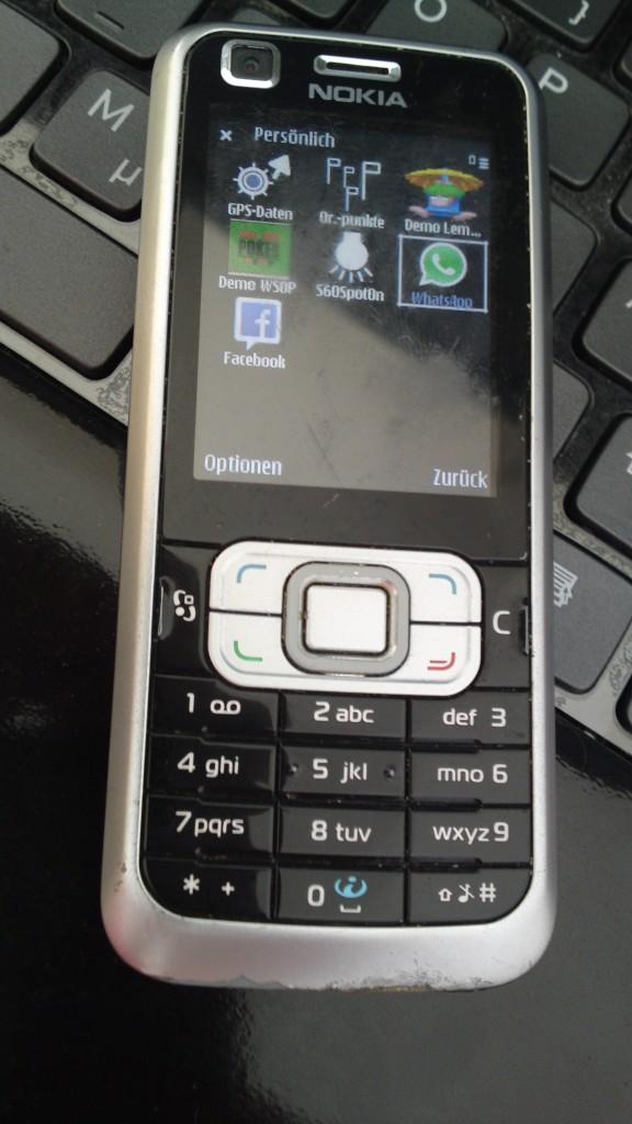 Nokia 6210c mit WhatsApp