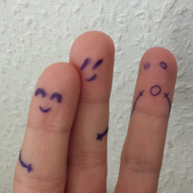 #Finger #loveisintheair #liebe #love #broken #Schreck #Schock #Herz #gebrochenesHerz