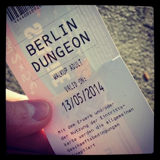 Dieses echt schmucklose Stück Papier verhalf mir zum Eintritt in eine wirklich amüsante/gruselige halbe Stunde im #Dungeon #Berlin. Leider sind dort keine Bildaufnahmen erlaubt. Daher muss die Eintrittskarte herhalten. #Horror #gruseln #grusel